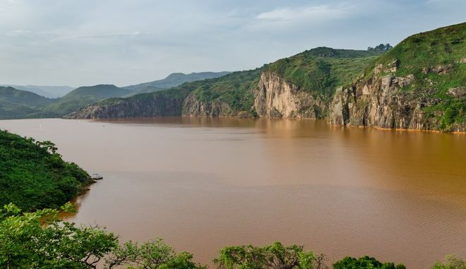 Η λίμνη Nyos στο Καμερούν