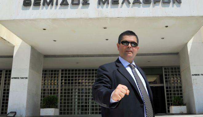 Διαγραφή με συνοπτικές διαδικασίες του δικηγόρου του Κασιδιάρη από την ΝΔ