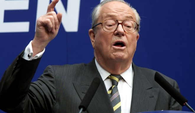 France's far-right National Front presidential candidate Jean-Marie Le Pen answers newsmen during a press conference at the National Front headquarters in Saint-Cloud, April 26, 2002. Conservative incumbent Jacques Chirac has ruled out any form of television debate with Le Pen, the surprise qualifier for a May 5 runoff in France's presidential elections. REUTERS/Charles Platiau  CP/