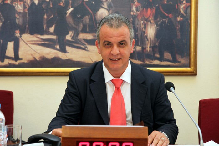 http://news247.gr/ellada/politiki/article513038.ece/BINARY/original/othonas.jpg