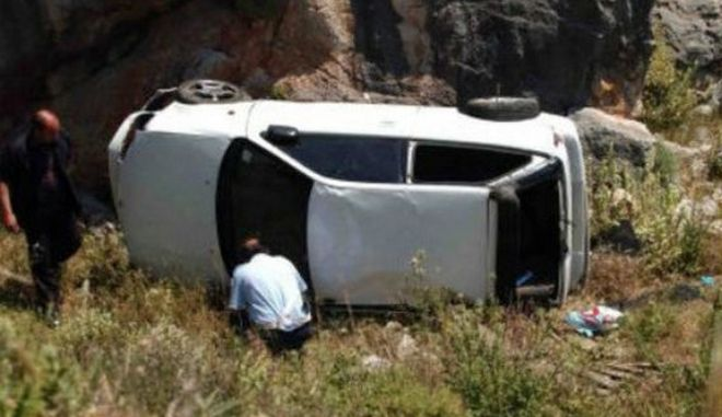 Βουτιά θανάτου για αυτοκίνητο στην Ιεράπετρα: Νεκρή μια ηλικιωμένη