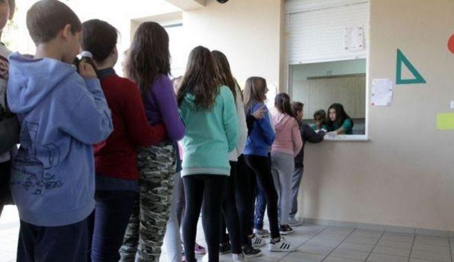 Θλιβερές εικόνες σε σχολεία του Ηρακλείου: Μαθητές αγοράζουν 'βερεσέ' από το κυλικείο