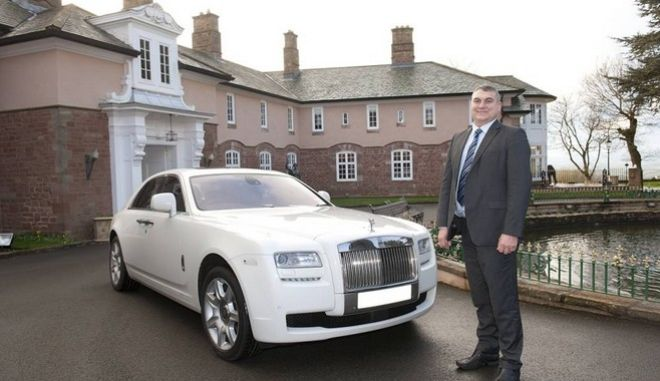 STEVE SMITH MILLIONAIRE AND FORMER OWNER OF POUNDLAND AT HIS HOME HAMMER HILL HOUSE. STEVE WITH HIS ROLLS ROYCE. PICTURES MURRAY SANDERS.