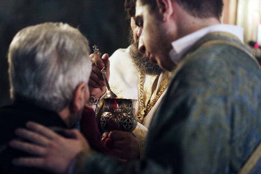 """Η Εκκλησία δεν """"ξόρκισε"""" ποτέ τον κορονοϊό"""