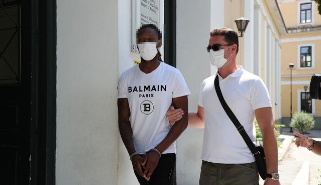 Στον ανακριτή οδηγήθηκε ο ποδοσφαιριστής του Ολυμπιακού, Ρούμπεν Σεμέδο