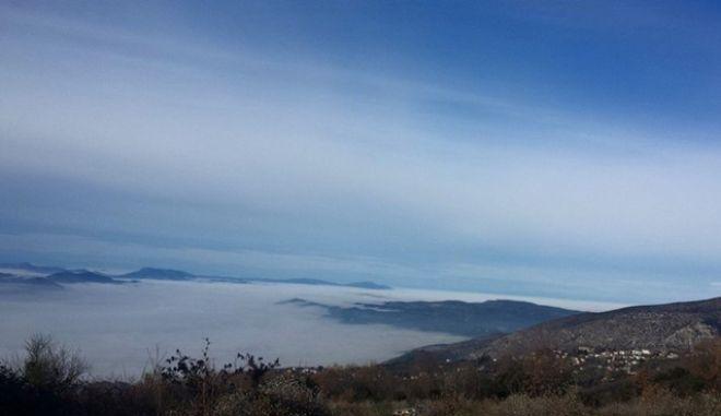 Τοπικές βροχές και κατά τόπους ομίχλη