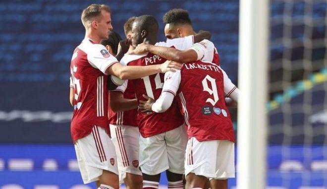 Άρσεναλ - Τσέλσι 2-1: Με ανατροπή του Ομπαμεγιάνγκ Κύπελλο και Europa League
