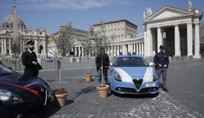 Βατικανό: Σύλληψη άνδρα που έφτυνε τουρίστες και τους απειλούσε με μαχαίρι