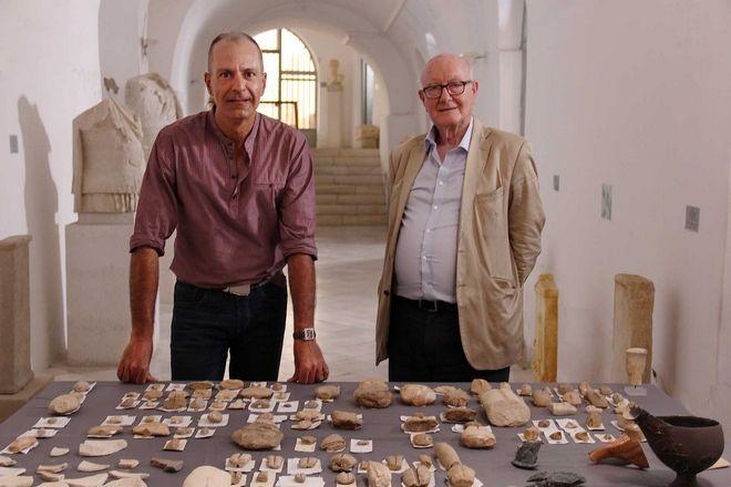Ο Δρ. Κώστας Πασχαλίδης με τον καθηγητή Colin Renfrew στο Αρχαιολογικό Μουσείο Νάξου.