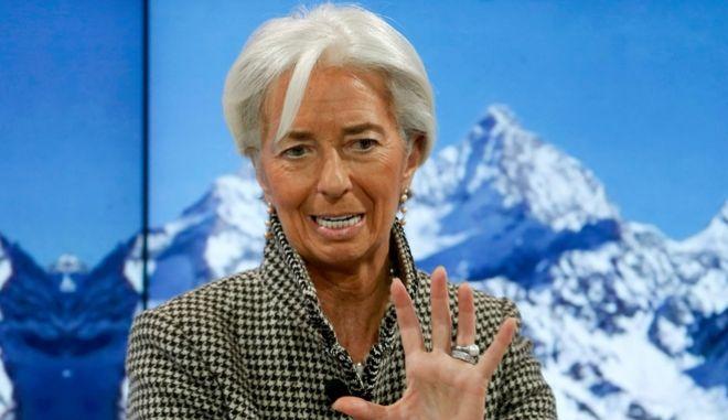 Spiegel: Τo ΔΝΤ θα συμμετάσχει με 5 δισ. ευρώ στο ελληνικό πρόγραμμα