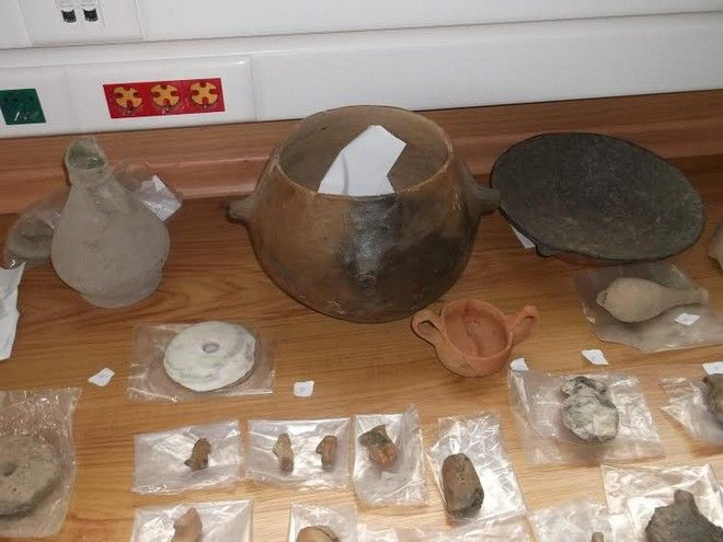 Στο σπίτι του μετέφερε δεκάδες αρχαία αντικείμενα ένας συμβασιούχος εργάτης αρχαιολογικών ανασκαφών στην Β. Ελλάδα