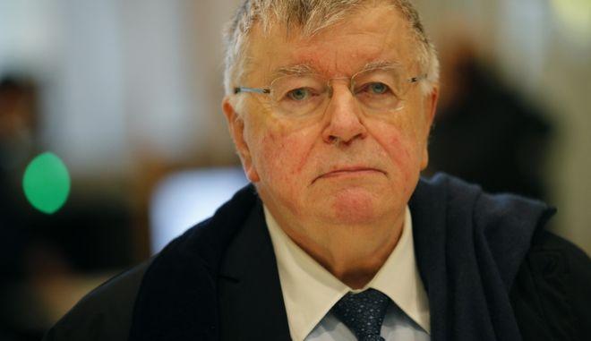 Ο πρώην διευθύνων σύμβουλος και γενικός διευθυντής Ντιντιέ Λομπάρ της γαλλικής εταιρείας τηλεπικοινωνιών France Telecom