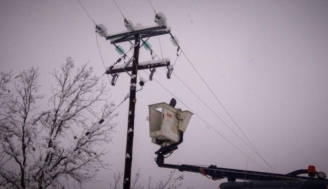 Bλάβη στο δίκτυο ηλεκτρικού ρεύματος λόγω χιονόπτωσης