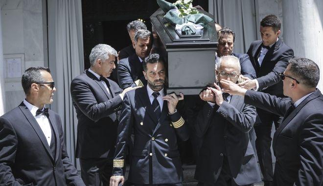 Το τελευταίο αντίο θα πουν αύριο Σάββατο 19 Μαΐου συγγενείς και Κηδεία του ιδρυτή και προέδρου της Aegean, Θεόδωρου Βασιλάκη, από τον Ιερό Ναό Μεταμορφώσεως Σωτήρος, στην Κηφισιά το Σάββατο 19 Μαΐου 2018. (EUROKINISSI/ΓΑΙΝΝΗΣ ΠΑΝΑΓΟΠΟΥΛΟΣ)