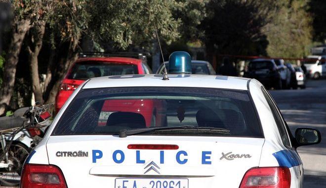 Έρευνες της Αστυνομίας επί της οδού Ζαΐμη 14 στην Ηλιούπολη σε κατοικία όπου σύμφωνα με πληροφορίες, η Πόλα Ρούπα χρησιμοποιούσε ως κρησφύγετο, την Πέμπτη 5 Ιανουαρίου 2017. (EUROKINISSI/ΣΩΤΗΡΗΣ ΔΗΜΗΤΡΟΠΟΥΛΟΣ)