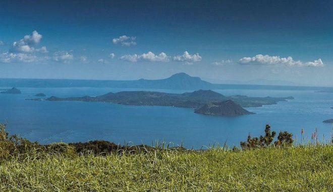 """Το νησί """"μπάμπουσκα"""" σε λίμνη που έχει νησί με άλλη λίμνη"""