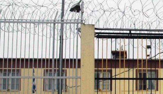 Σε απεργία πείνας μέχρι τέλους οι κρατούμενοι στις φυλακές Λάρισας