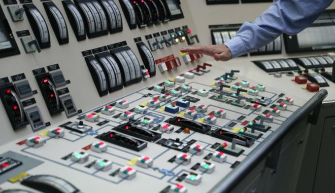 A control room simulator used for training is seen at the Callaway Energy Center, Missouri's only nuclear power plant, Thursday, Oct. 19, 2017, in Reform, Mo. The plant is currently shut down for scheduled maintenance while undergoing a nearly $130 million repair project that includes the first overhaul of its main generator since the plant began operating in 1984. (AP Photo/Jeff Roberson)