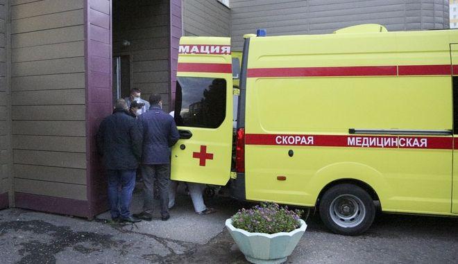 Το ασθενοφόρο μετέφερε τον Ναβάλνι