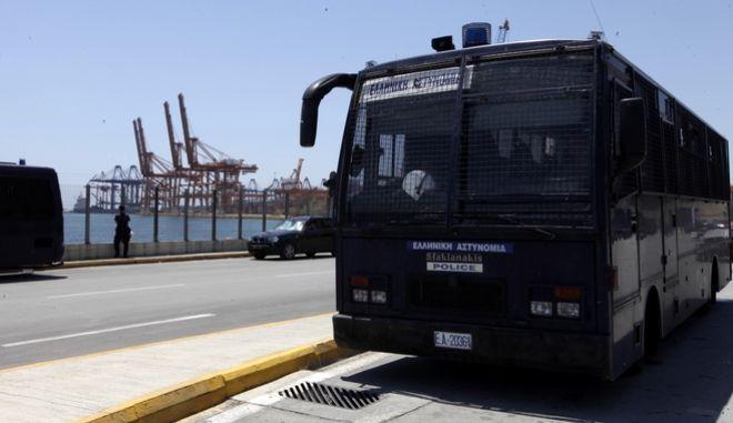 Κλούβα της αστυνομίας στο λιμάνι του Πειραιά (Φωτό Αρχείου)