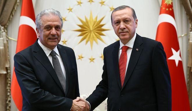 Στην Τουρκία ο Αβραμόπουλος για την τελετή ορκωμοσίας του Ερντογάν