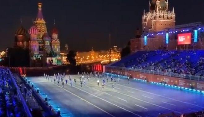 Εκδήλωση στην Κόκκινη Πλατεία της Μόσχας για τον Μίκη Θεοδωράκη