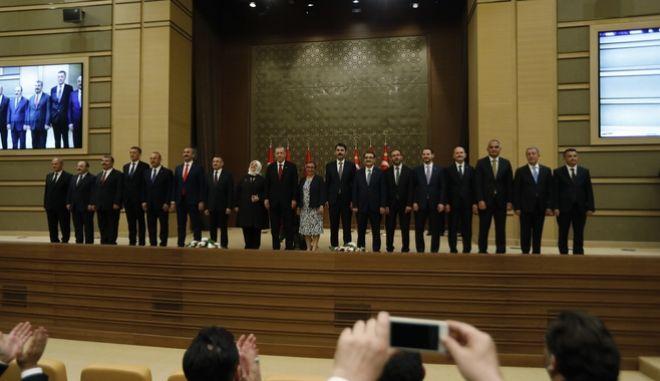 Το νέο υπουργικό συμβούλιο του Ερντογάν
