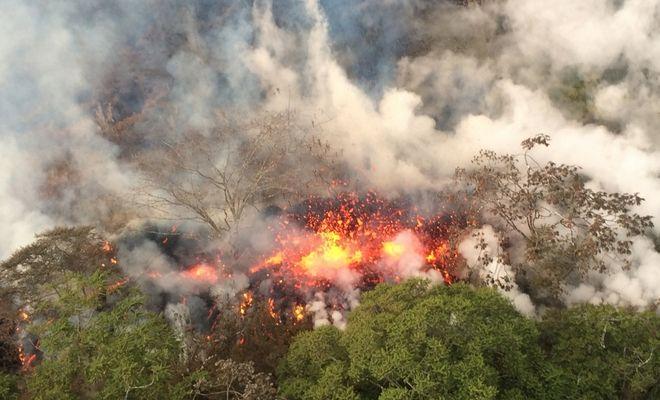 Η κορυφή του ηφαιστείου Κιλαουέα, στη Χαβάη, εξερράγη