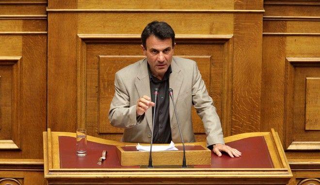 Συζήτηση στην Βουλή της Πράξης Νομοθετικού Περιεχομένου η οποία τροποποιεί την ρύθμιση με τις ληξιπρόθεσμες οφειλές των 100 δόσεων, ενώ δίνεται λύση στο ζήτημα του δανείου για τη διάσωση της ΕΒΖ. (EUROKINISSI/ΓΙΑΝΝΗΣ ΠΑΝΑΓΟΠΟΥΛΟΣ)