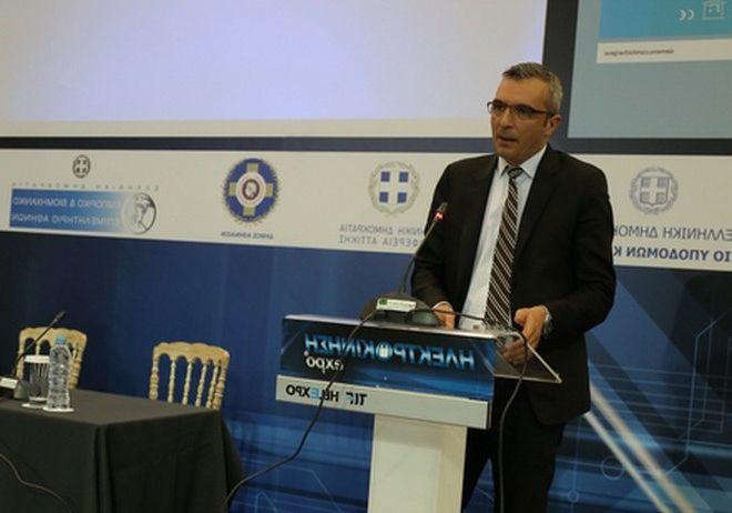 Ο Νίκος Αθανασόπουλος, διευθύνων σύμβουλος του ΟΑΣΑ στο συνέδριο για την Ηλεκτροκίνηση