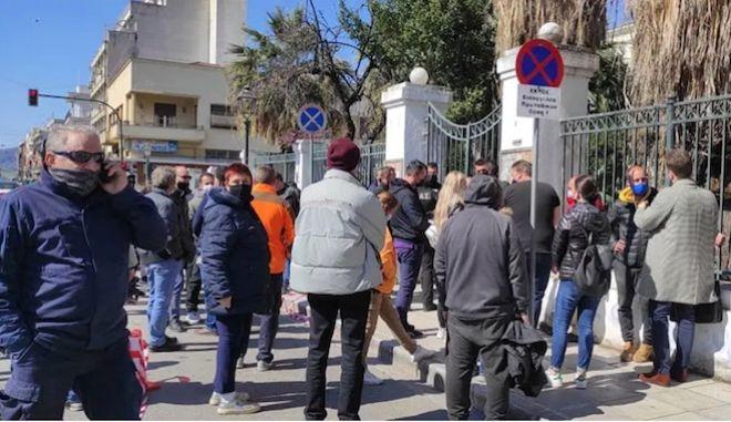 Μακρινίτσα: Οργή στα δικαστήρια Βόλου - Προπηλάκισαν τον 32χρονο