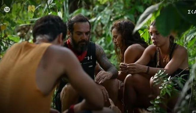 "Survivor 4 - trailer: Ποιος κοροϊδεύει τον Τριαντάφυλλο για το ""αφήστε με να φύγω"""