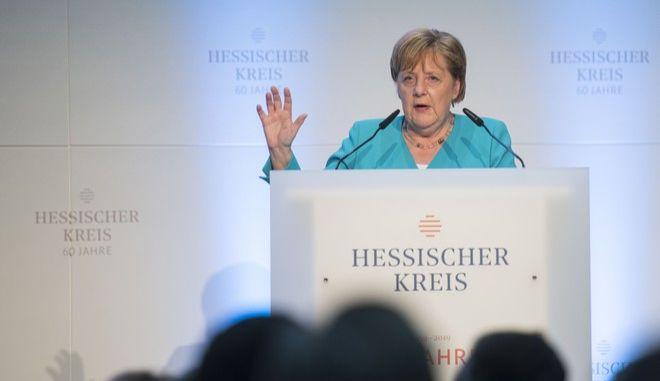 Η Γερμανίδα καγκελάριος Άνγκελα Μέρκελ σε εκδήλωση στη Φρανκφούρτη