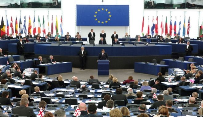Έκκληση ευρωβουλευτών για επαναφορά των συλλογικών συμβάσεων στην Ελλάδα