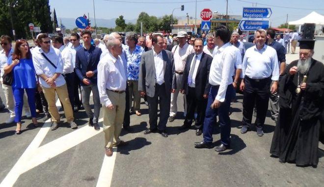 ΜΕΓΑΛΟΠΟΛΗ- Ο Υπουργός Υποδομών Μεταφορών  Χρήστος Σπίρτζης παρέδωσε σε κυκλοφορία τον Ανισόπεδο Κόμβο Μεγαλόπολης.(Eurokinissi-arcadiaportal.gr)