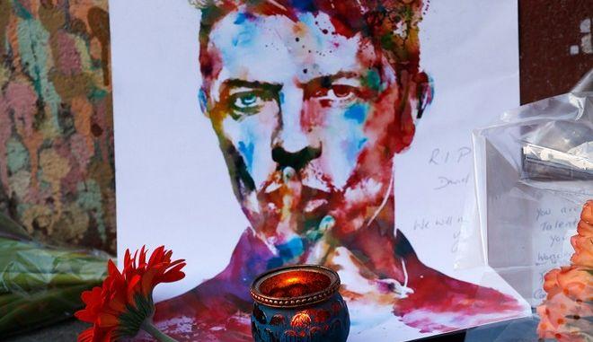 Αποτεφρώθηκε μυστικά ο David Bowie. Δεν ήθελε κηδεία