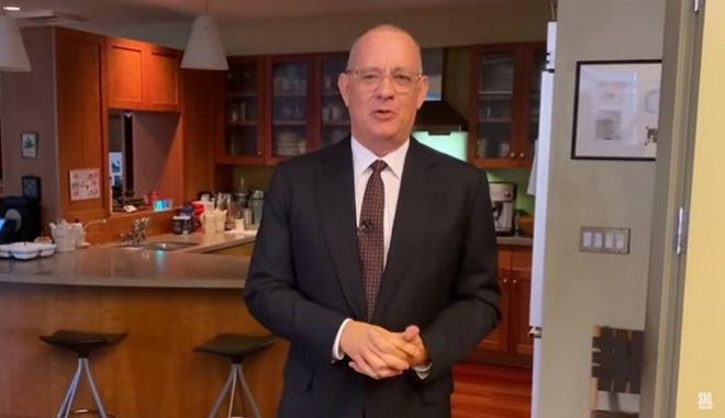 Ο Τομ Χάνκς παρουσίασε εκπομπή από την κουζίνα του σπιτιού του