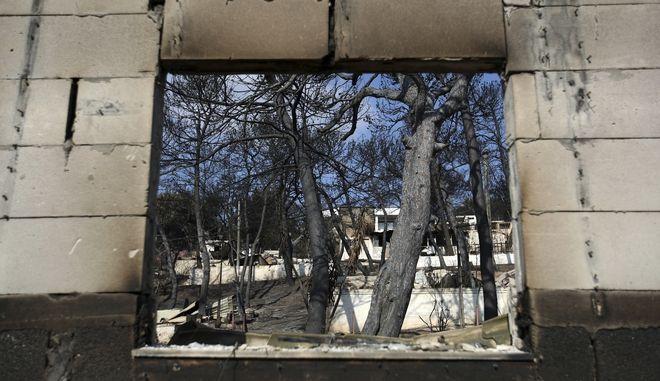 Στιγμιότυπο από καμένο σπίτι στο Μάτι