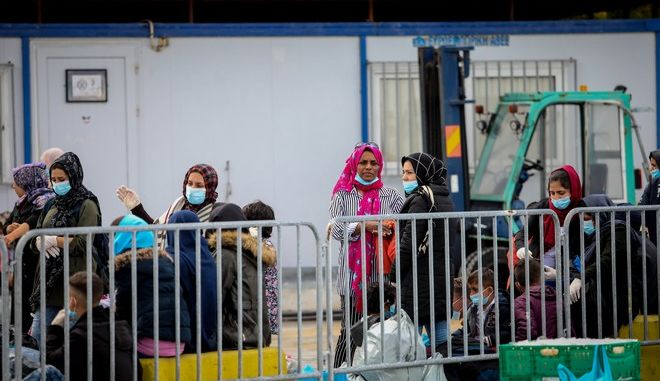 Αναχώρηση από το λιμάνι της Μυτιλήνης,προσφύγων και μεταναστών
