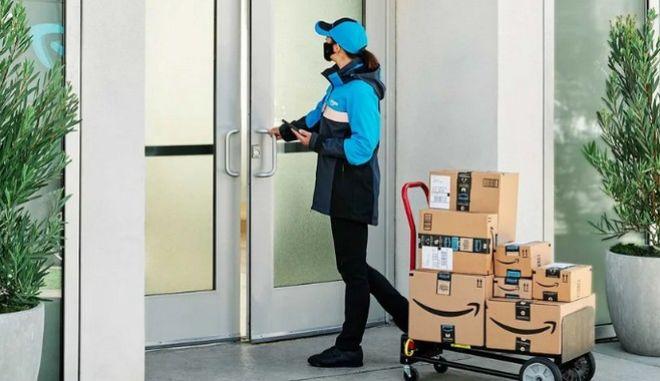 Το Key for business προωθείται στους διαχειριστές των κτιρίων, στους οποίους η Amazon προσφέρει και δωροεπιταγές.