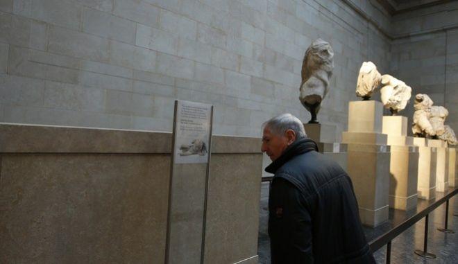 Στιγμιότυπο από την έκθεση των ελληνικών γλυπτών στο Βρετανικό Μουσείο
