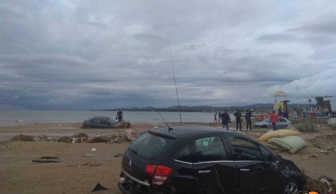 Προβλήματα σε όλη την χώρα από τις σφοδρές βροχοπτώσεις - Κινδύνευσαν άνθρωποι στην Χαλκιδική