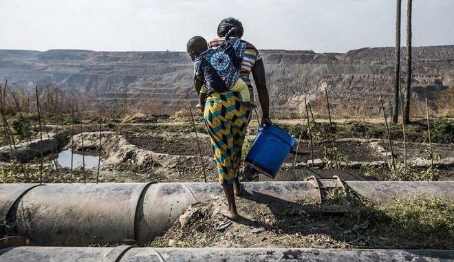 Παγκόσμια Ημέρα Γυναίκας: Αν σταματήσουν οι γυναίκες, θα σταματήσουν τα πάντα
