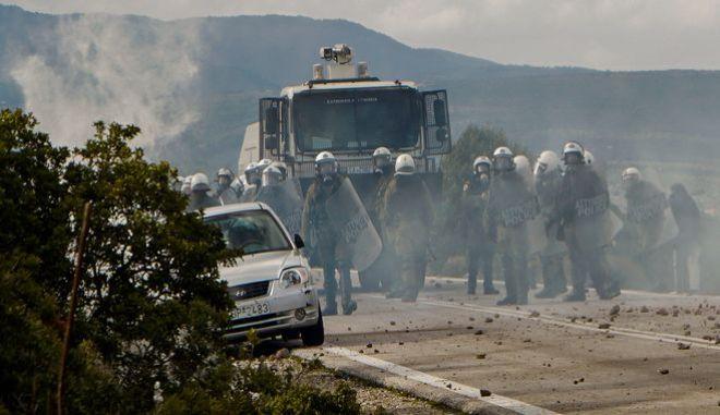 Επεισόδια μεταξύ της αστυνομίας και κατοίκων στη Λέσβο