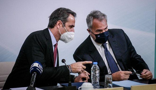 O πρωθυπουργός Κυριάκος Μητσοτάκης και ο υπουργός Εσωτερικών Μάκης Βορίδης