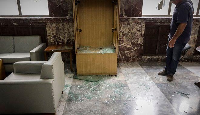 Εισβολή ομάδας ατόμων στο κτήριο της Γ.Γ. του υπουργείου Εμπορίου