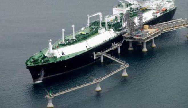 Συμφωνία για πλωτό σταθμό υγροποιημένου φυσικού αερίου στην Αλεξανδρούπολη