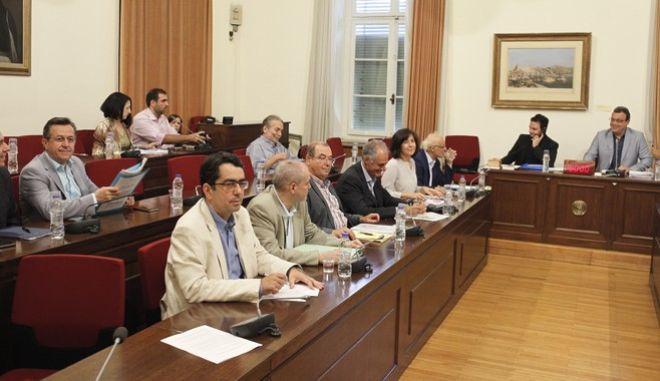 Συνεδρίαση της Εξεταστικής Επιτροπής της Βουλής, για τη διερεύνηση της νομιμότητας της δανειοδότησης των πολιτικών κομμάτων, καθώς και των ιδιοκτητριών εταιρειών μέσων μαζικής ενημέρωσης από τα τραπεζικά ιδρύματα της χώρας, την Πέμπτη 7 Ιουλίου 2016.  (EUROKINISSI/ΓΙΩΡΓΟΣ ΚΟΝΤΑΡΙΝΗΣ)