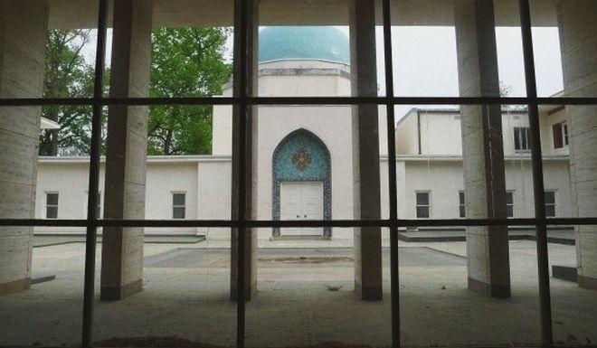 Η Ιρανική πρεσβεία των οργίων