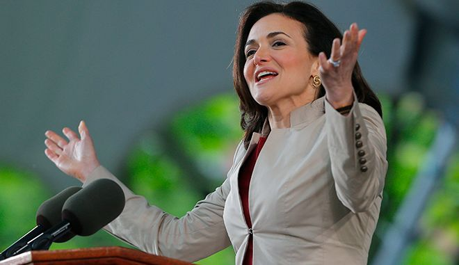 Facebook's COO Sheryl Sandberg delivers the Class Day address at Harvard University in Cambridge, Massachusetts May 28, 2014, one day ahead of Commencement Exercises at the university.   REUTERS/Brian Snyder    (UNITED STATES - Tags: EDUCATION) - RTR3RAPD